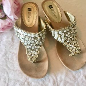 White Mountain Shoes Sandals Wedge Gold Niche